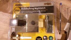 Yale Deadlocking Nightlatch