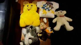 Bulk lot soft toys and cushions/pillows