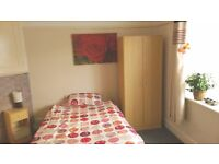 Large single room available in a 2 bedroom flat close to Triangle