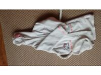 girls dressing gown hello kitty size 6-7 years old