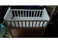 white crib perfect condition