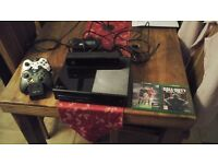 XBOX ONE 500GB CONSOLE WITH KINECT AND GAMES