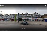2 bedroom first floor flat ready to move in Chadwell-heath Romford (rm6) mins from station