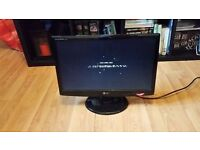 "LG Flatron W2043S LCD Monitor, Widescreen 20"" Resolution: 1600x900"