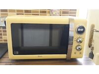 Swan retro microwave in cream