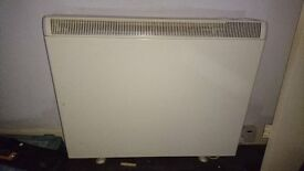 'ALTO' STORAGE HEATER IN GOOD CONDITION AND IN FULL WORKING ORDER 2.5KW. ** ECONOMY 7 HEATING **