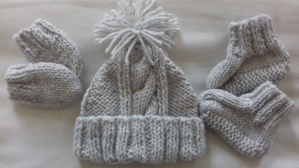 e7de5a6848e Brand new hand made Aran baby hat bootees and mittens sets