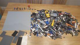 Lego 3kg mixed for boys plus 10 mini figures