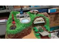 Thunderbirds Electronic Tracy Island with TB1, TB2 and TB5 working order