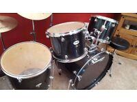 Tornado Mapex black Drum Kit