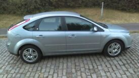 FORD FOCUS FOR £1500.00 (2005 MODEL)