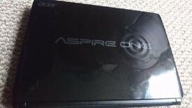 Acer Aspire One D270 Netbook -10 inch good condition