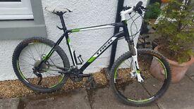 Trek 4900 Mens Mountain Bike