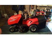 As new Briggs and Stratton powered ride on lawn tractor (8 hours use)