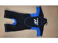 Childs short wetsuit Age 7-9