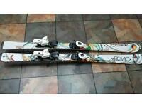 Various skis