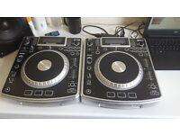 2 Numark NDX800 CD Players