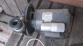 JACUZZI PUMP OLD BUT LITTLE USED. WORKS PERFECTLY.