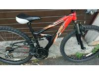 APOLLO FS26 LADIES MOUNTAIN BIKE, 14 INCH FRAME, 26 INCH WHEELS, 18 GEARS, GOOD CONDITION