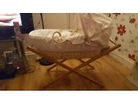 Mommas and pappas moses basket