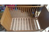 Ikea cot with two levels - excellent condition