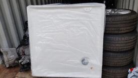 3 brand new shower sink/ trays 900x900 and 2 Necht Pisa basin sinks