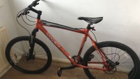 Men's Trek 6 mountain bike (damaged frame)