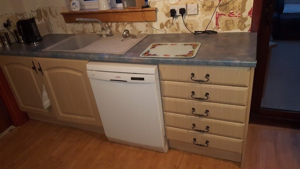 Kitchen units amd cooker for sale