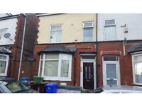 2 bed 1st floor flat on Moss Bank in Crumpsall. DSS welcome with a guarantor.