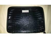 Black laptop / netbook cover / bag with pocket