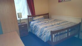 LOVELY WARM CLEAN BEDSITS AND FLATLETS IN CENTRAL SWANSEA