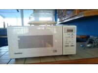 Microwave brand new with free steamer