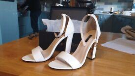 Quiz ladies heels size 6 bnib