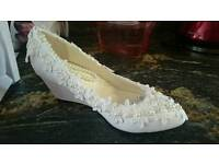 White bridal/wedding shoes