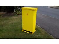 FOOT OPERATED FIRESAFE CLINICAL WAST BIN VERY GOOD CONDITION 80 LITRES CAPACITY.
