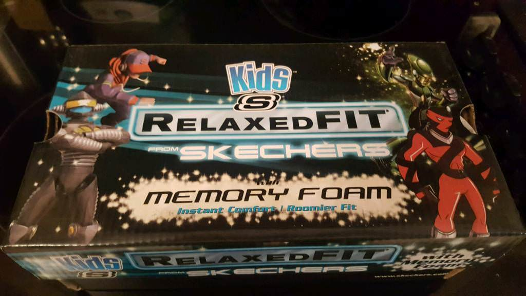 Brand new in box boys sketchers memory foam school shoes