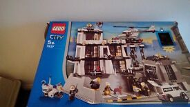 LEGO CITY POLICE STATION set 7237