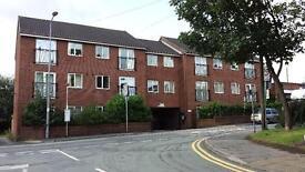 1 bedroom flat in Golborne