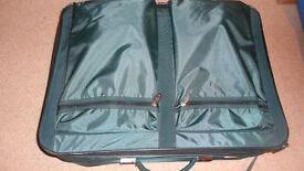 Large Green Suitcase 4 swivel wheels