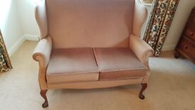 Cottage style beige 3 piece suite, 2 seater sofa and two armchairs.