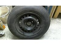 Caravan wheel and tyre