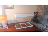 90 litre fish tank. Comes with a 60 cm led light bar. Delivery can be arranged