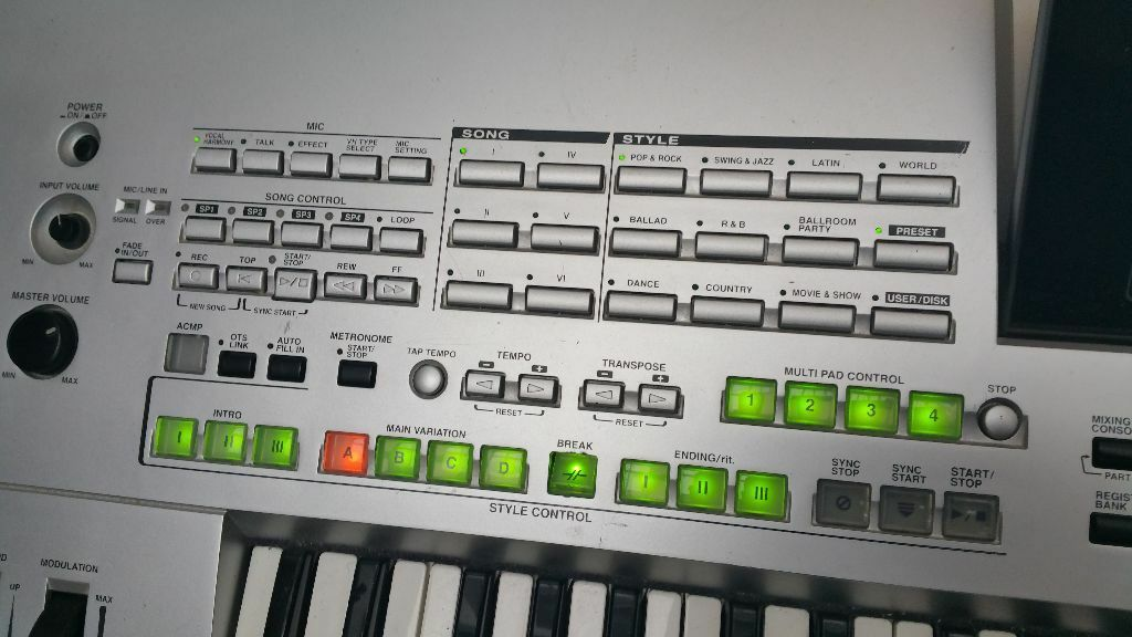 yamaha tyros 1 priced for quick sale keyboard electric. Black Bedroom Furniture Sets. Home Design Ideas