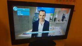 """Tecknica 32"""" Tv with DVD built in"""