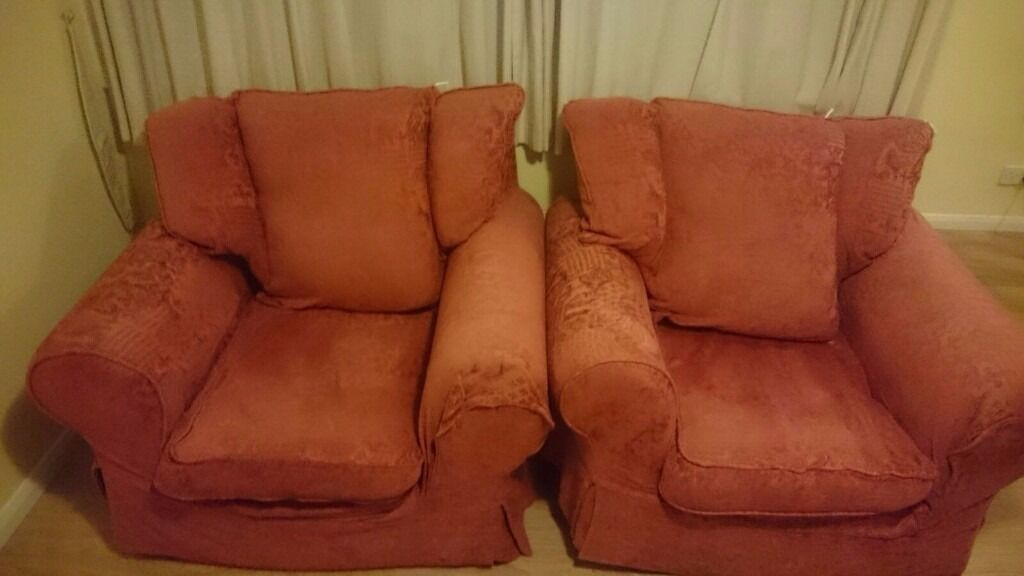 2 FREE Comfy Arm Chairs. COLLECTION ONLY in WOKING