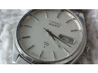 SILVER SEIKO SQ DAY DATE QUARTZ WATCH 1970s RARE VINTAGE AUTHENTIC (also have Rolex, Tag, Omega, )