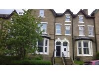 2 Bed Second Floor Flat on St Pauls Road, Manningham,Bradford- BD8 - (No Bond Required)