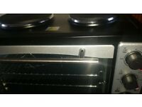 33 litre mini oven with 2 hobs