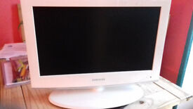 """LCD Samsung 19"""" White PC/TV HDMI OUT"""
