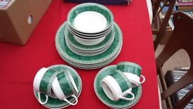 4 piece dinner set - 20 pieces in total